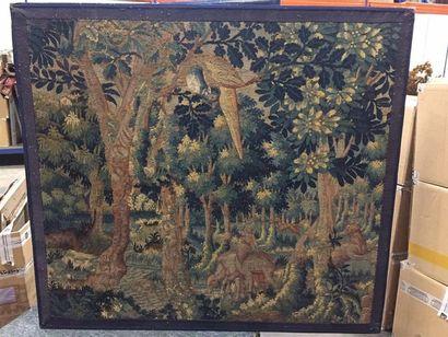 Fragment de tapisserie en laine à décor de...