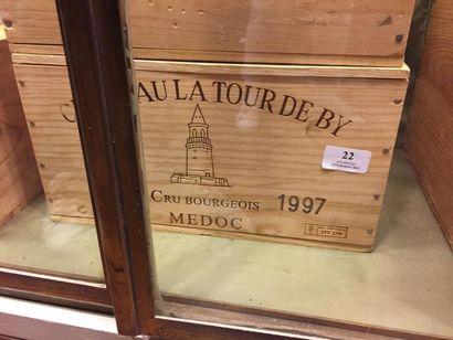 6 bouteilles Château La Tour de By - Médoc,...
