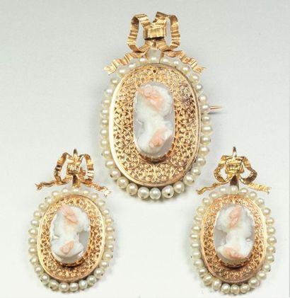 Demi parure ancienne en or jaune 18K (750/oo) comprenant une broche pendentif (épingle...