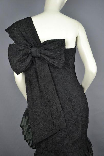 CHRISTIAN DIOR Cocktail dress CHRISTIAN DIOR Boutique in silk, size 42 splendid model....