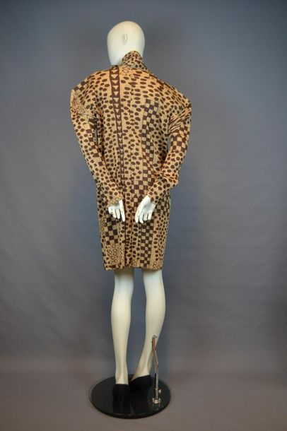 PLEATS PLEASE Robe de la maison PLEATS PLEASE des années 80 en synthétique, taille...