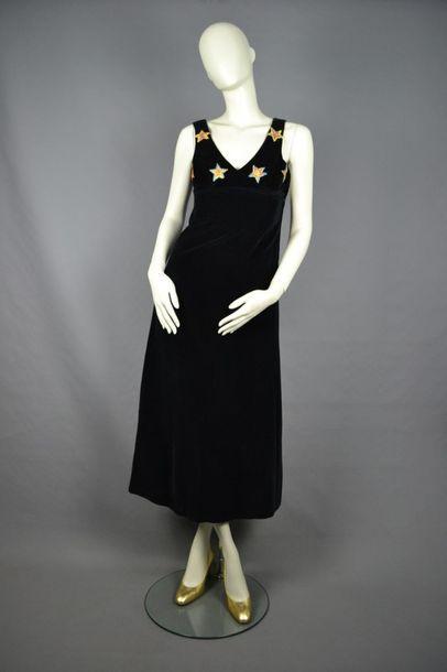 MODE VINTAGE Robe longue des années 70 en velours, étoiles brodées fil de lurex,...