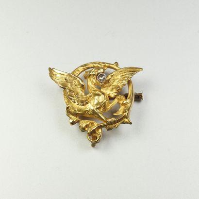 Broche porte montre ancienne en or jaune...