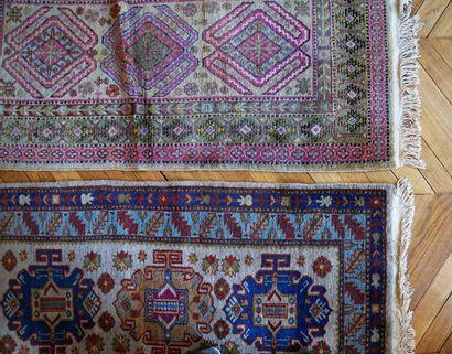 Deux tapis d'orient à décor géométrique l'un...