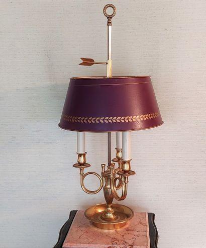 Lampe bouillotte en laiton doré à décor de...