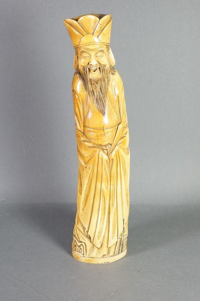Statuette en ivoire figurant un Immortel...