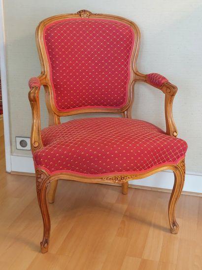 Paire de fauteuils en bois naturel garnis...
