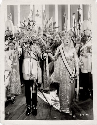 LA VEUVE JOYEUSE - THE MERRY WIDOW Mae Murray et John Gilbert, film de Erich von...