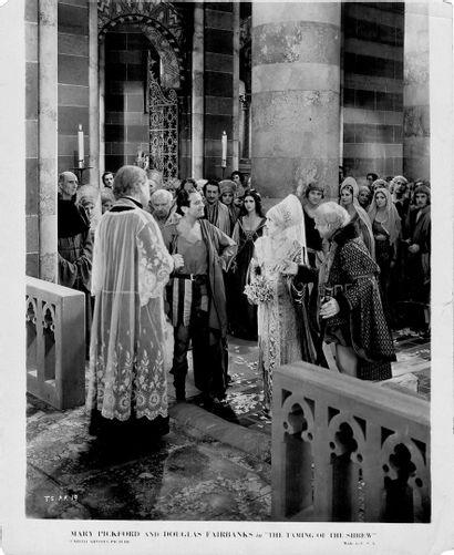 LA MÉGÈRE APPRIVOISÉE - THE TAMING OF THE SHREW Mary Pickford et Douglas Fairbanks,...