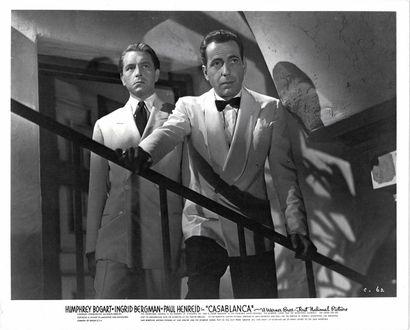 CASABLANCA Humphrey Bogart et Paul Henreid, film de Michael Curtiz, 1942. Photographie...