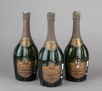 3 bouteilles CHAMPAGNE MUMM Cuvée RENÉ LALOU...