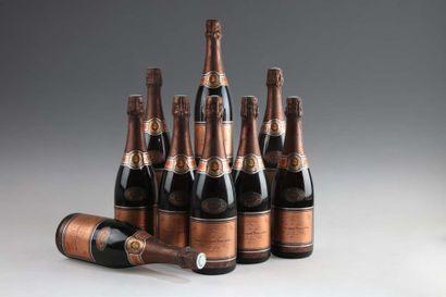 9 bouteilles CHAMPAGNE Vve. CLICQUOT Rosé...