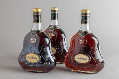 3 bouteilles COGNAC HENNESSY X O Dans leurs...