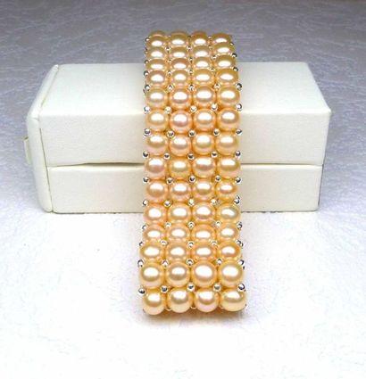 Bracelet 4 rangs en perles de culture naturelles...
