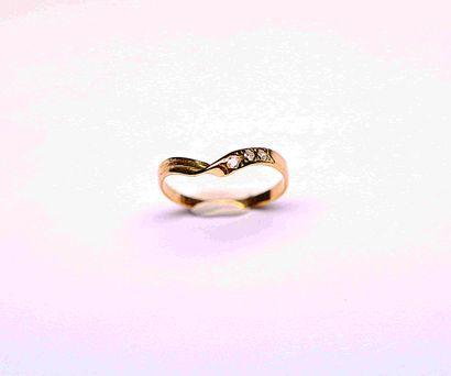 Bague en or jaune trylogie de 3 diamants....