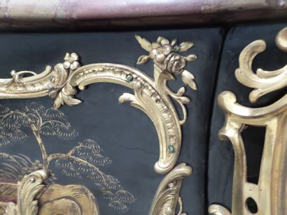 DEMOULIN VERY NICE CHEST OF DRAWERS IN MARTIN VARNISH STAMPED DEMOULIN  It opens...