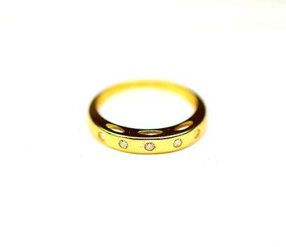 Bague or jaune sertie de 5 Diamants ronds...