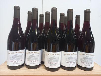 12 Btls Bourgogne. Pinot noir. Marcel de...