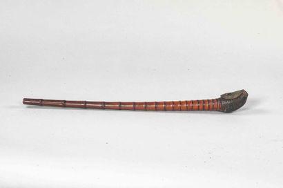 Pipe à opium en bambou et fourneau de cuir...