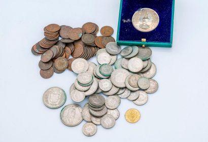 Lot comprenant :  - Médaille commérative...