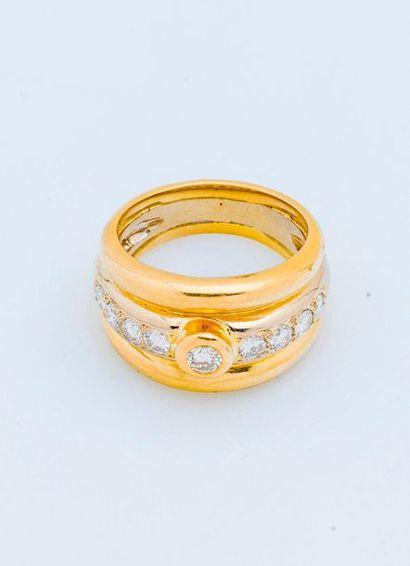 Bague bandeau en or jaune et gris 18 carats...
