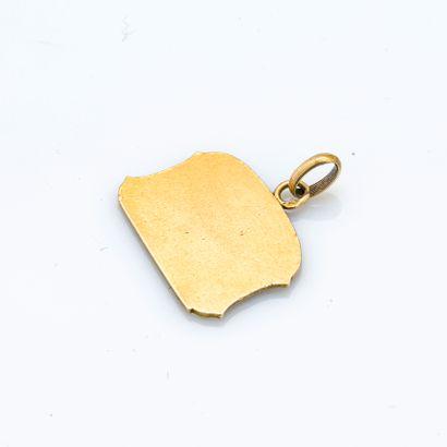 Médaillon en or jaune 18 carats (750 millièmes) figurant l'allégorie des Arts, signée...