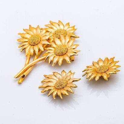 Parure en métal doré composé d'un sautoir...