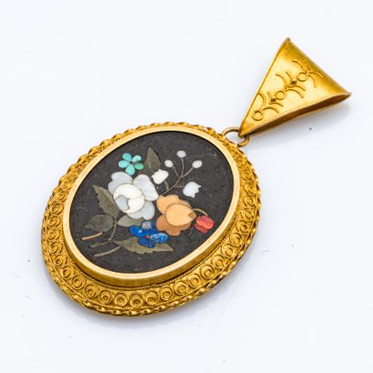 Pendentif en or jaune 18 carats (750 millièmes)...