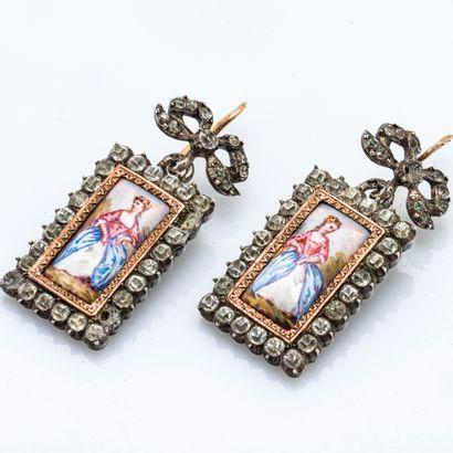 Paire de pendants d'oreille en argent (800...