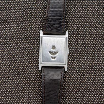 Montre bracelet rectangulaire en acier à...