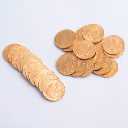 Lot de 30 pièces de 20 Francs or : dix-neuf...