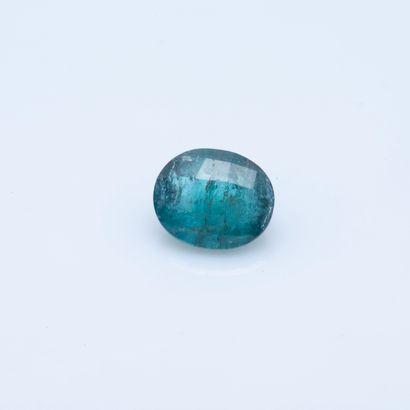 Tourmaline bleu-vert de taille ovale sur...