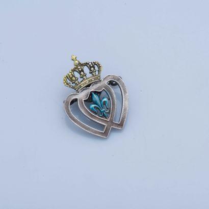 Broche en métal stylisant un cœur Vendéen...