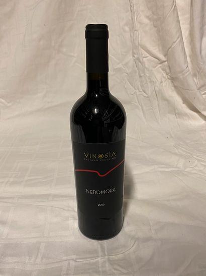 Lot de 11 bouteilles  Vinosia  Neromora Aglianico,...