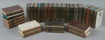 Lot de 31 livres collection Pléiades