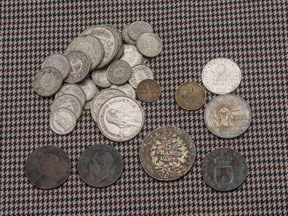 Lot de pièces :  - 1 sol Louis XVI 178?  -...