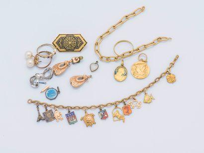 Lot de débris en or jaune 18 carats (750...
