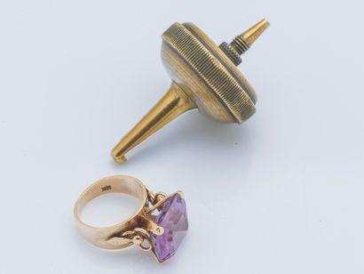 Bague en or jaune 9 carats (375 millièmes)...