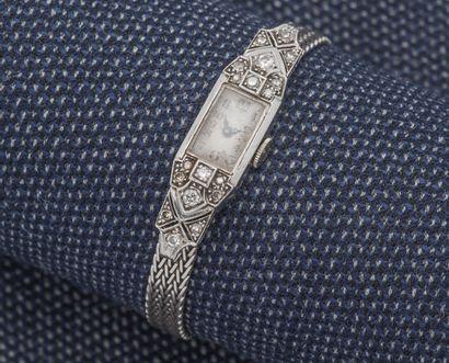 Bracelet montre de dame, le boîtier rectangulaire...