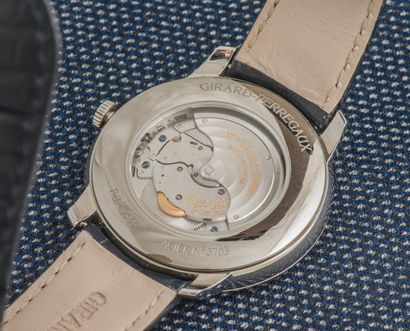 GIRARD PERREGAUX Montre classique modèle 1966 40 mm rèf. 49555, le boitier rond en...