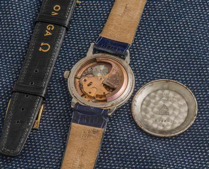 OMEGA Montre bracelet classique, le boîtier rond en acier à fond clippé (signé et...