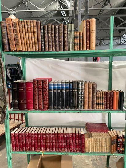 Important lot de livres reliés et broché...