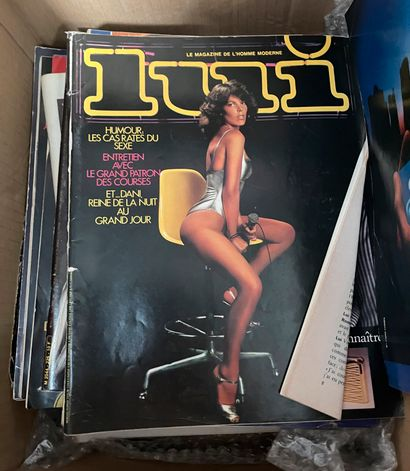 Lot de magazines dont Lui et Playboy  Frais...