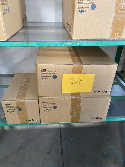 Lot de 8 étagères CD et de 10 joues CD modèle...