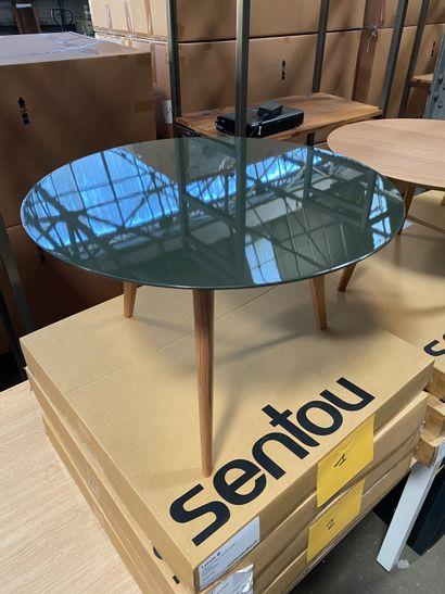 2 tables basses rondes modèle Lalinde pieds bois, plateau peint couleur bronze  D....