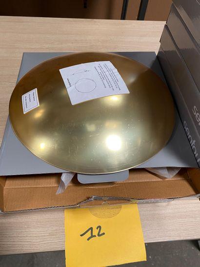 3 petits miroirs bombés dorés modèle ENDORA en acrylique  D. 31 cm  Prix de vente...