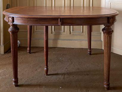Table à allonge en bois naturel mouluré et...