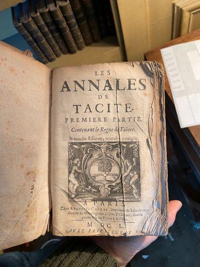 Lot de livres anciens dont : Horace, Nouvelle Héloïse, Virgile (1780, 4 vol.), Aventures...