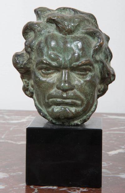 ALEXANDRE OULINE (actif de 1918 à 1940)