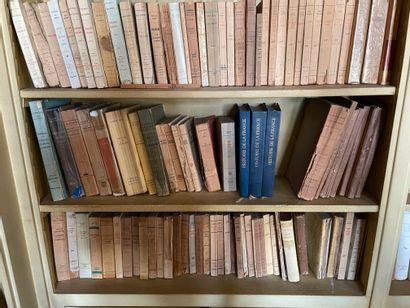 Manettes de littérature : livres brochés et reliés. Editions Grasset, Gallimard...